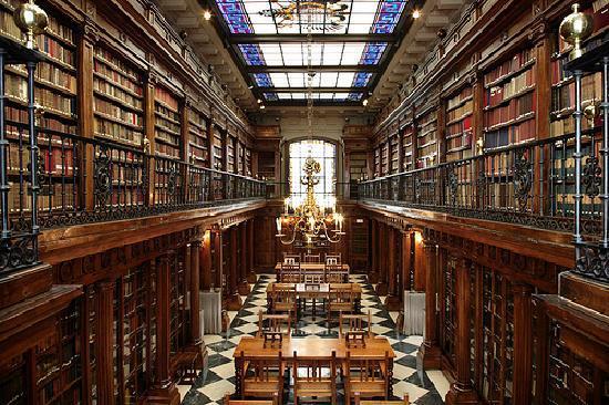El Libro y la Biblioteca